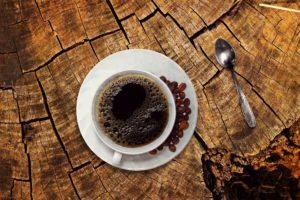 Die negative Seite des Morgenkaffees: Hemmt die Resorption von Calcium und Magnesium