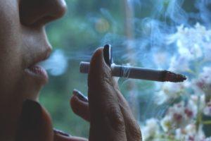 Rauchen gleich nach dem Essen negiert die positiven Wirkungen der Ernährung